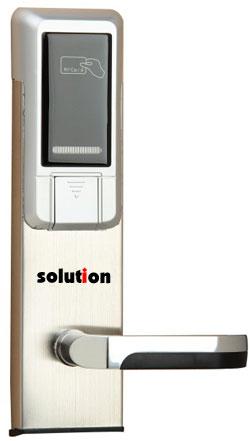 Access Door L2 4 x 1.5V Standard Alkaline Batteries
